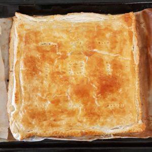 Empanada de morcilla, pera y piñones - Lista